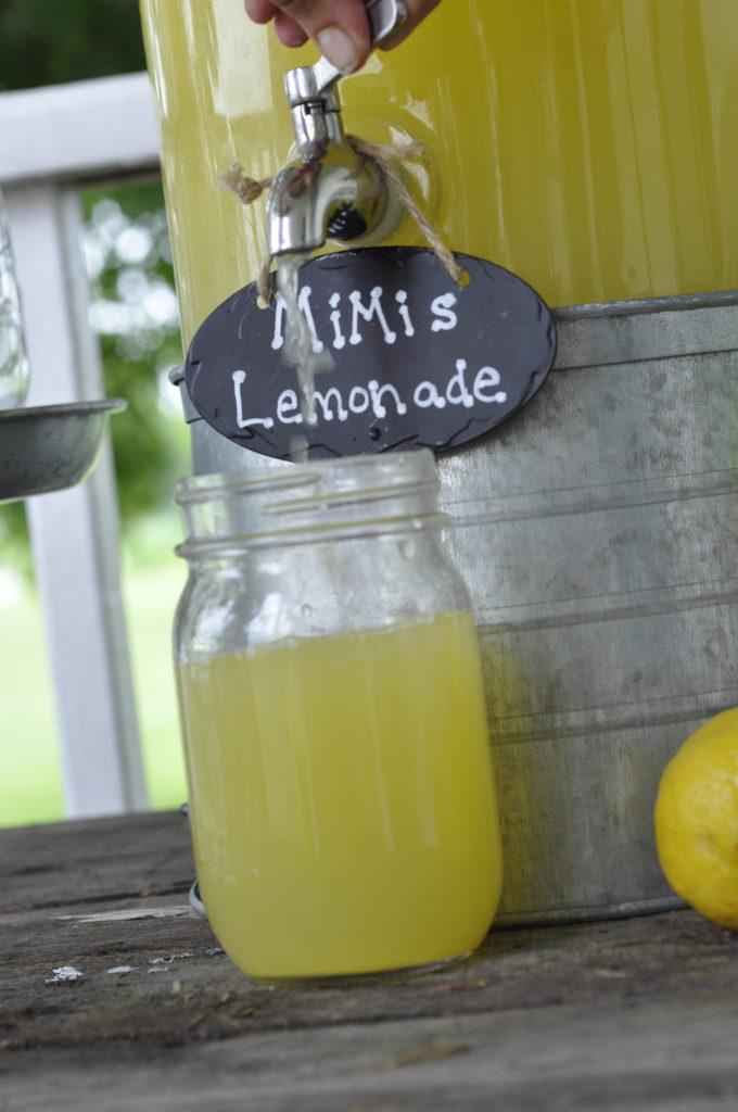 MiMi's Lemonade from Farmwife Feeds is an easy to make 3 ingredient full of flavor summers favorite drink everyone will love. #lemonade #drink