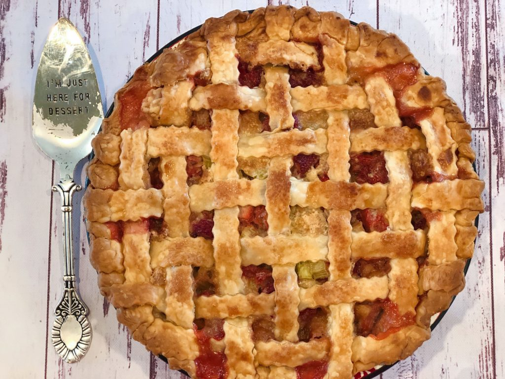 Strawberry Rhubarb Pie from Farmwife Feeds is a family recipe that is a county fair pie winner! #recipe #pie #rhubarb #strawberry