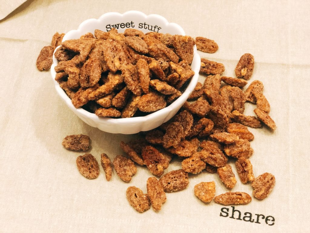 Cinnamon Candied Pecan from Farmwife Feeds, easy to make sweet treat that will quickly become addictive. #pecans #cinnamon #snack