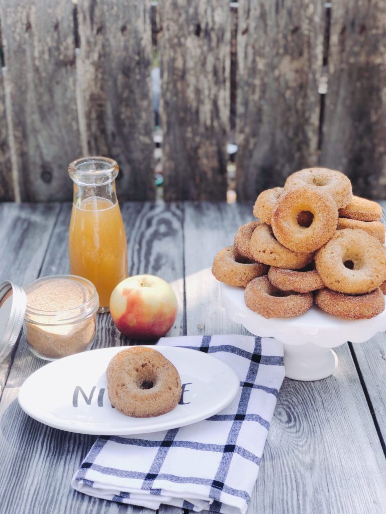 Apple Cider Donuts from Farmwife Feeds are all the taste of fall in donut form and use simple ingredients to make! #donuts #fall #apple #cider