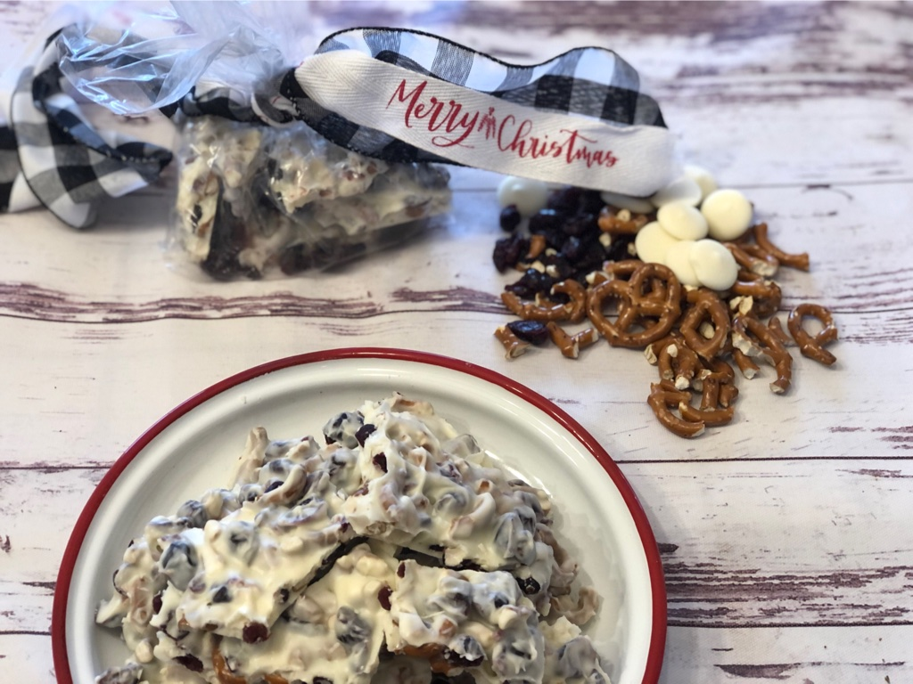 White Chocolate Cranberry Pretzel Bark from Farmwife Feeds, a simple 3 ingredient candy, easy to make and easy to share. #bark #cranberry #whitechocolate #pretzels